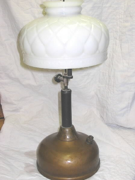 Click image for larger version  Name:brass table lamp.jpg Views:103 Size:26.1 KB ID:13343
