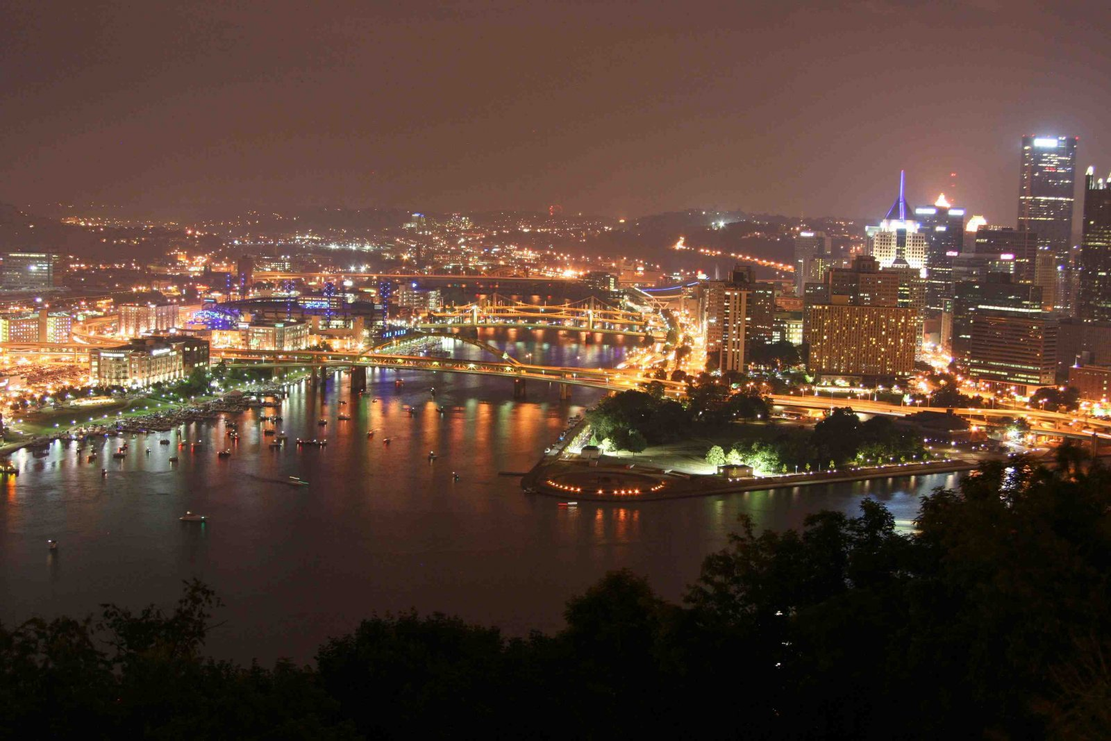 Click image for larger version  Name:pgh at nightcomp2.jpg Views:67 Size:256.4 KB ID:134131