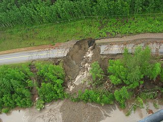 Click image for larger version  Name:99074BCLN2007hwy97washout5.jpg Views:126 Size:197.9 KB ID:134137