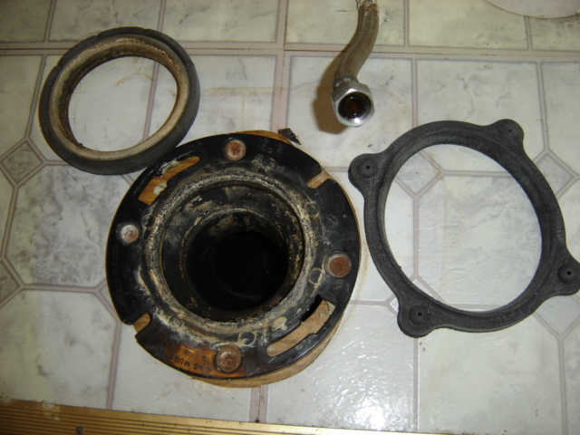 Correct toilet flange? - Airstream Forums