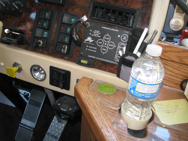 Click image for larger version  Name:deer and motorhome july 2011 043.jpg Views:168 Size:193.6 KB ID:134859