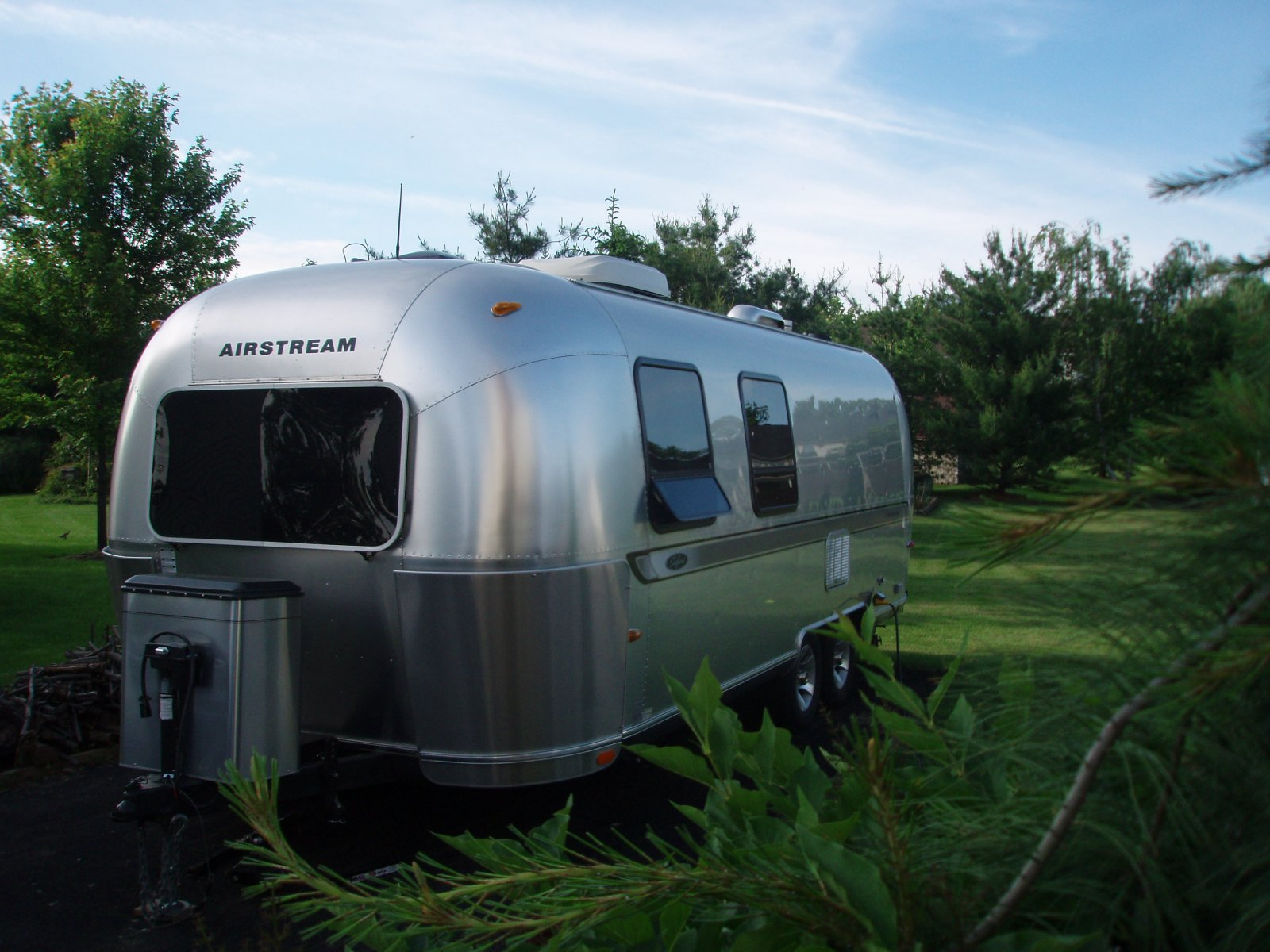 Click image for larger version  Name:Airstream at home.jpg Views:83 Size:251.8 KB ID:136738