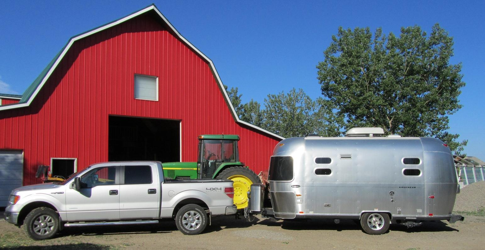Click image for larger version  Name:airstream.truck.johndeere.barn jpeg.jpg Views:75 Size:192.6 KB ID:136840