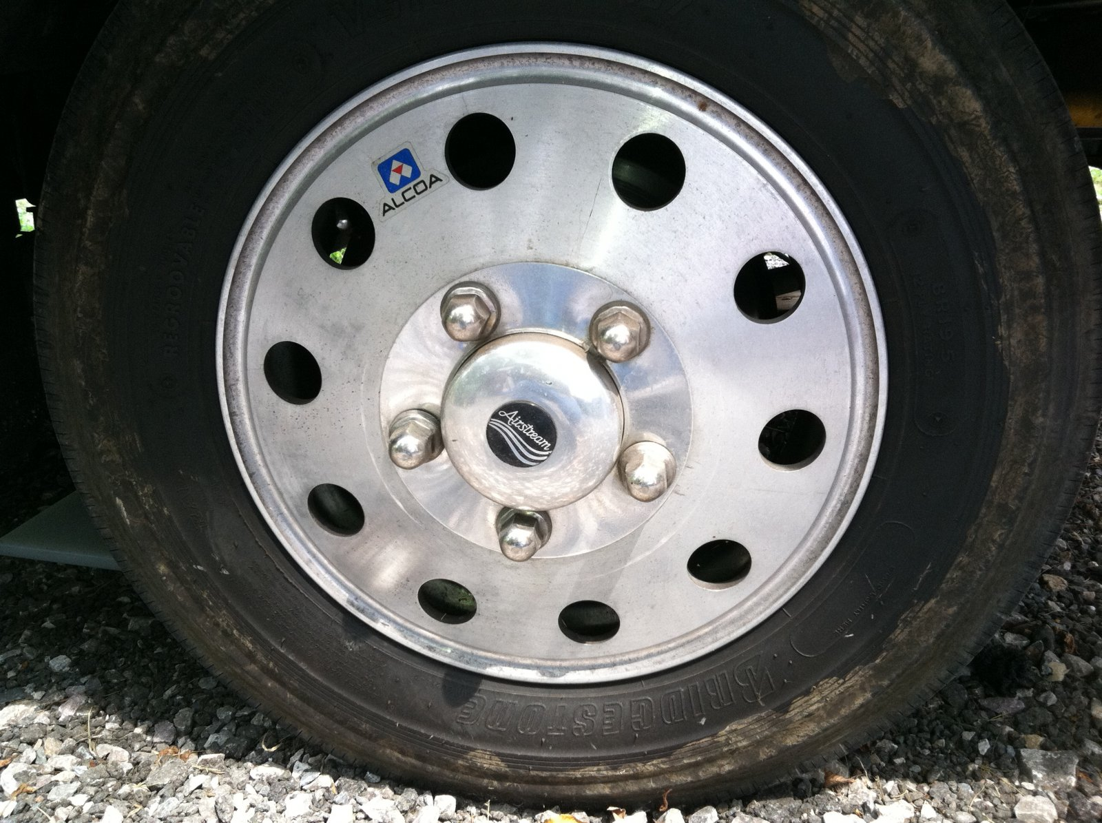 Click image for larger version  Name:alcoa wheels 001.jpg Views:420 Size:348.4 KB ID:137035
