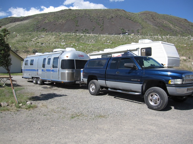 Click image for larger version  Name:camper and truck.jpg Views:103 Size:130.6 KB ID:137065