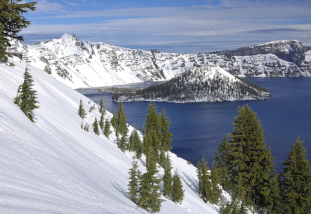 Click image for larger version  Name:Crater Lake.jpg Views:87 Size:287.2 KB ID:137445