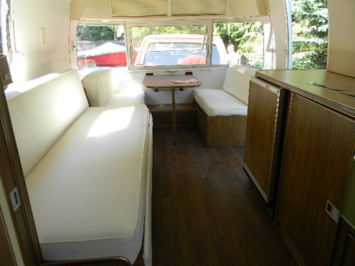 Click image for larger version  Name:Front Interior.jpg Views:123 Size:35.8 KB ID:137532
