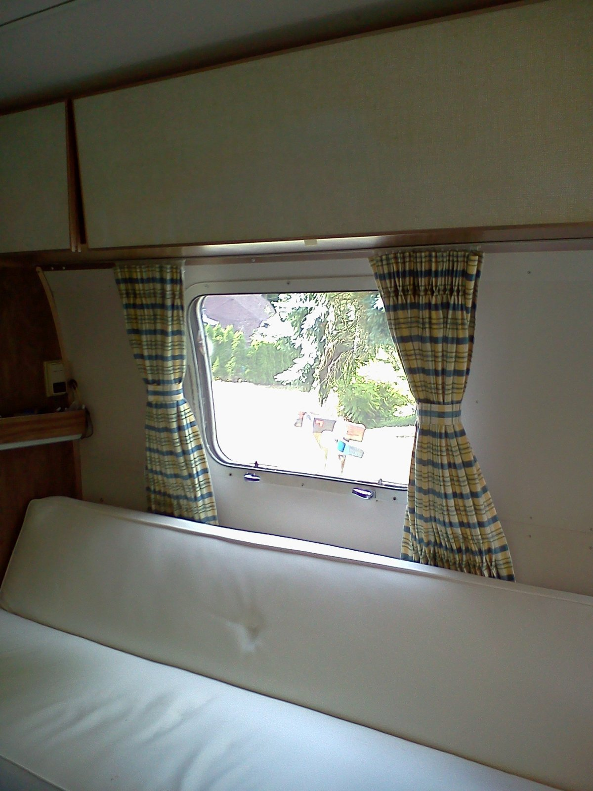 Click image for larger version  Name:Side Curtains Tied Back 2.jpg Views:132 Size:241.5 KB ID:137534