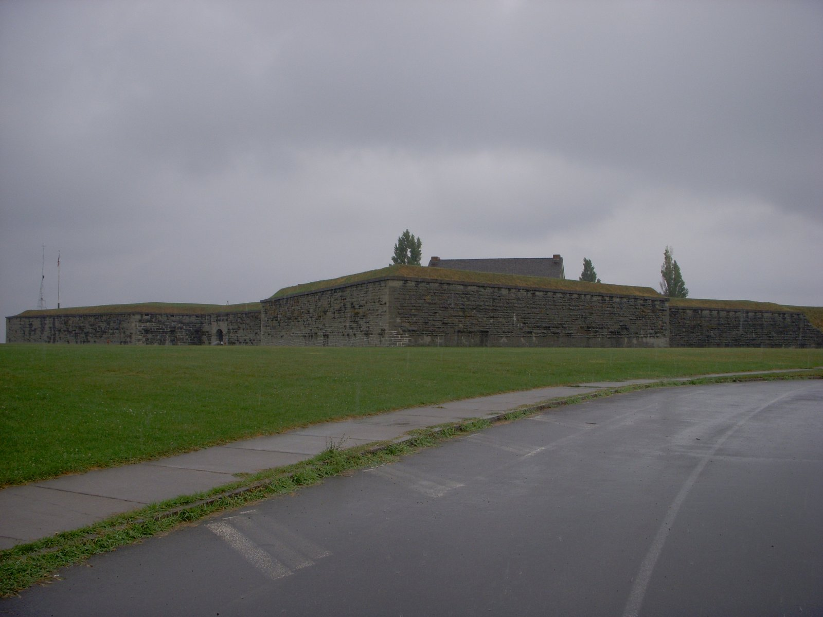 Click image for larger version  Name:Fort Oswego Aug 2011 010.jpg Views:80 Size:179.9 KB ID:137549