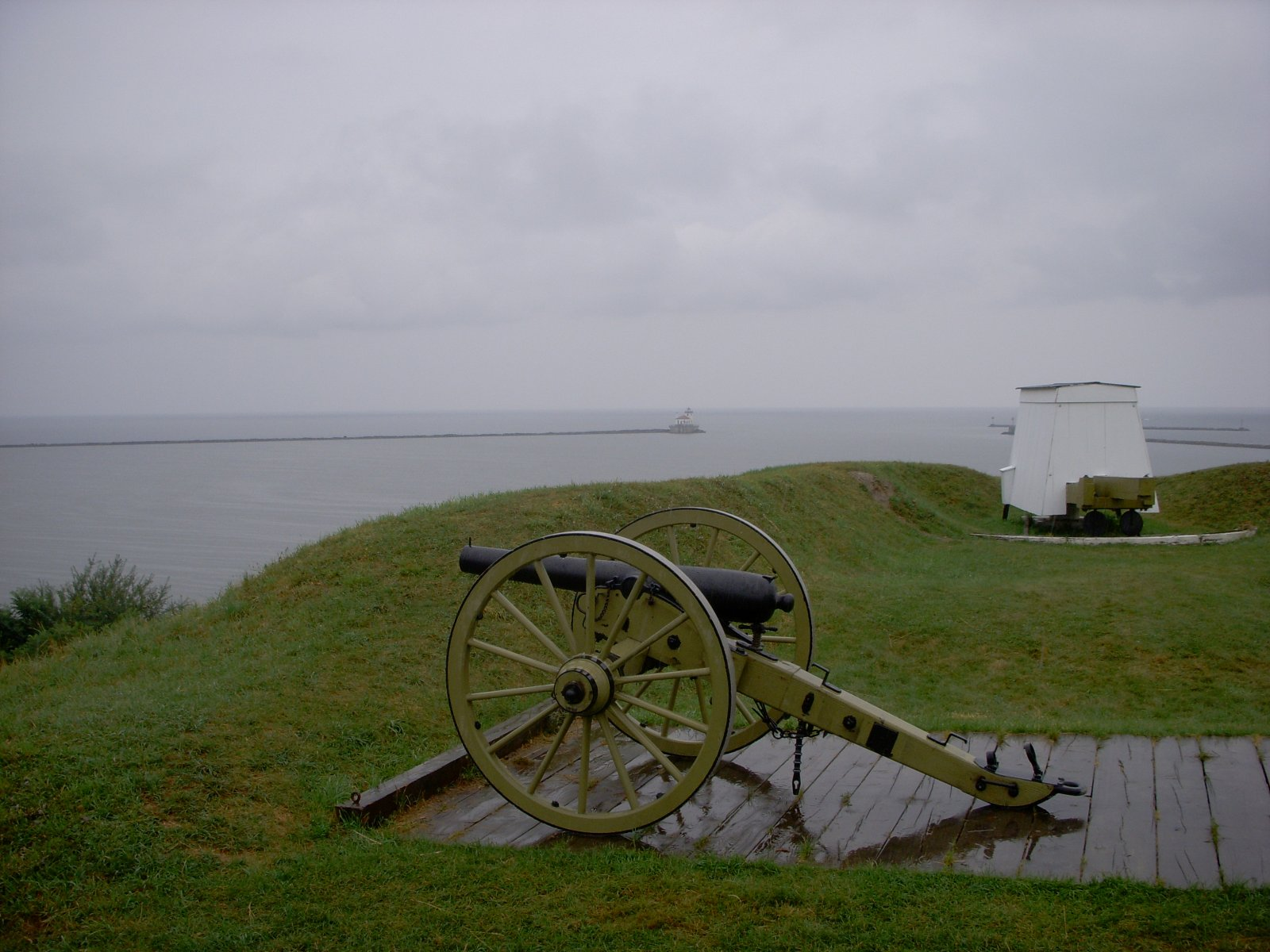 Click image for larger version  Name:Fort Oswego Aug 2011 016.jpg Views:76 Size:246.1 KB ID:137551