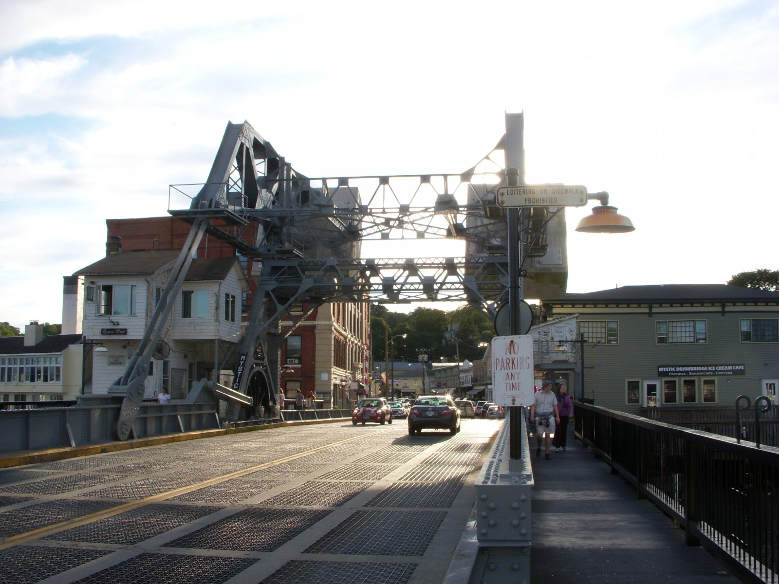 Click image for larger version  Name:Mystic, CT. Aug 2011 040.jpg Views:68 Size:288.9 KB ID:137938