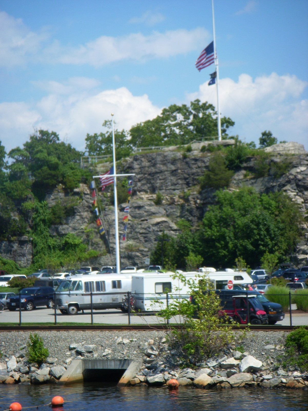 Click image for larger version  Name:Newport,RI. Aug2011 049.jpg Views:73 Size:336.6 KB ID:137976