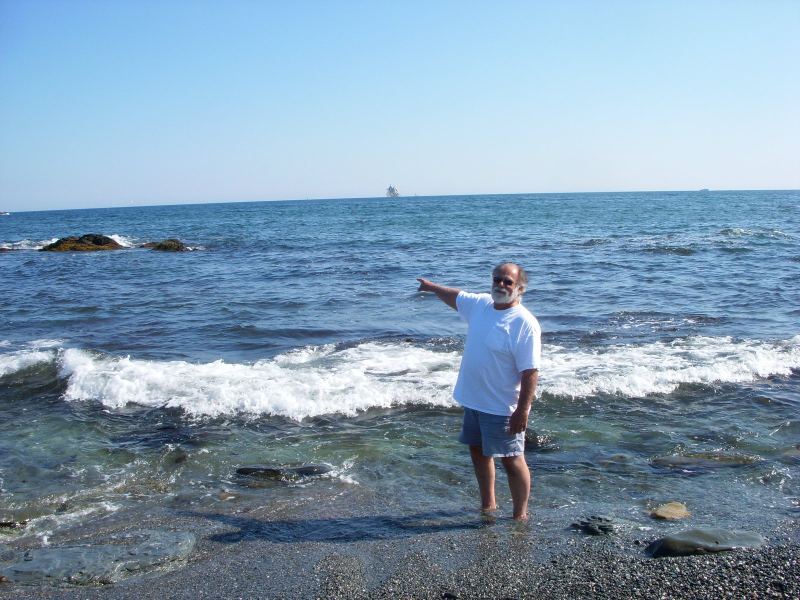 Click image for larger version  Name:Newport,RI. Aug2011 110.jpg Views:64 Size:382.3 KB ID:137984
