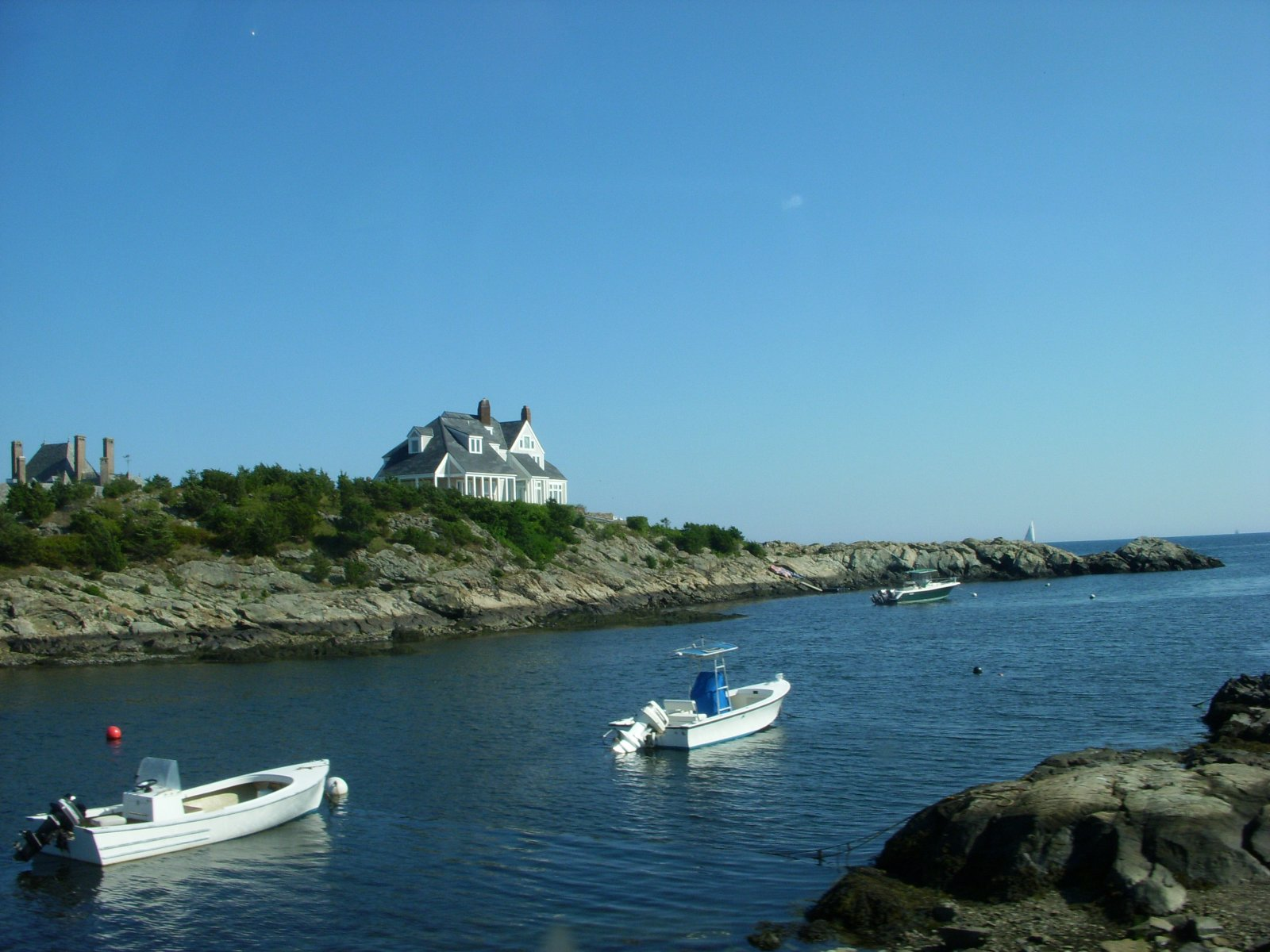 Click image for larger version  Name:Newport,RI. Aug2011 131.jpg Views:59 Size:248.6 KB ID:137987