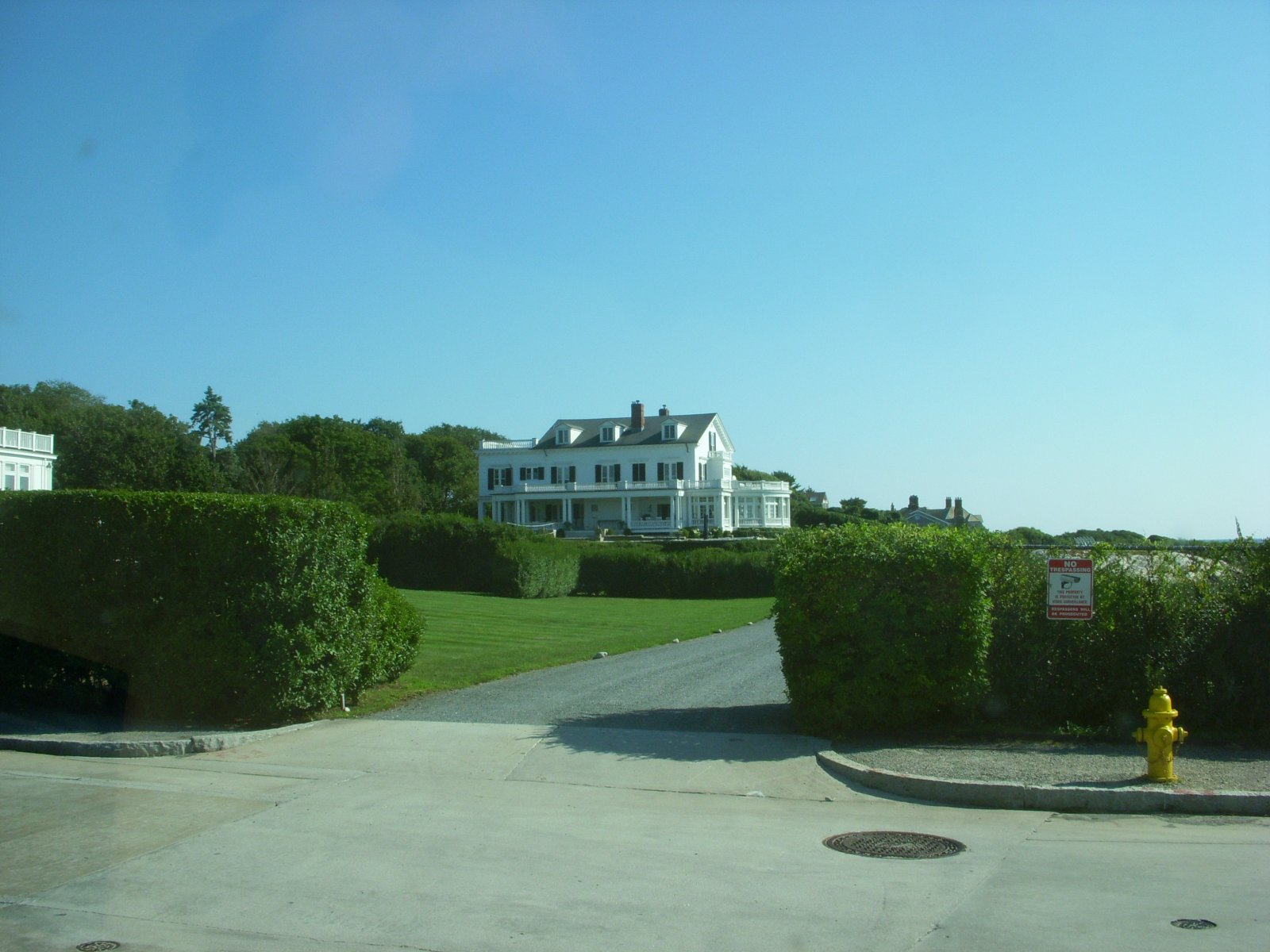 Click image for larger version  Name:Newport,RI. Aug2011 137.jpg Views:80 Size:221.0 KB ID:137989