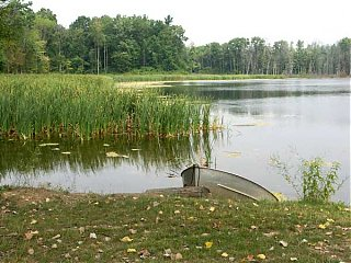 Click image for larger version  Name:the-lake.jpg Views:122 Size:43.1 KB ID:13808