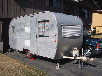Click image for larger version  Name:My 1960 Honorbilt Travel Trailer front and side small.jpg Views:102 Size:40.8 KB ID:13873
