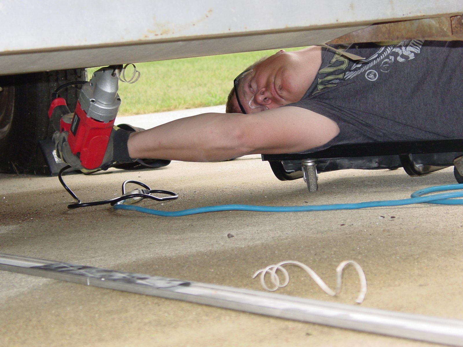Click image for larger version  Name:Barry's Trailer Belly Pan 2011-08-28 (10).jpg Views:74 Size:263.7 KB ID:139611