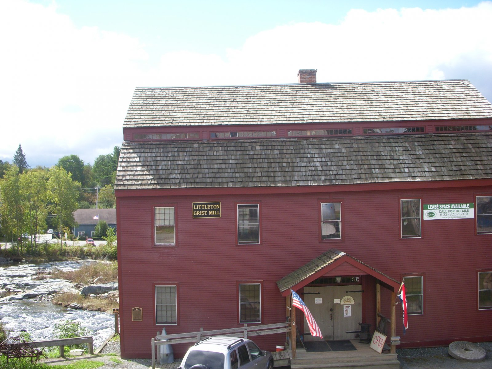 Click image for larger version  Name:Burlington Sept2011 033.jpg Views:64 Size:336.5 KB ID:140395