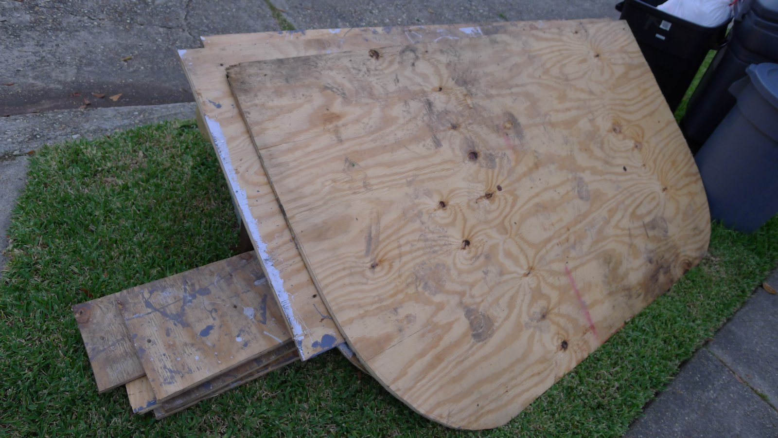 Click image for larger version  Name:removed plywood flooring.jpg Views:140 Size:243.2 KB ID:140505