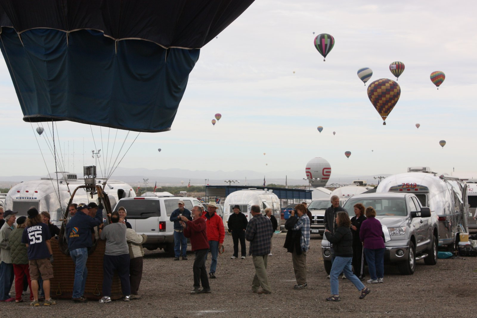 Click image for larger version  Name:Balloon Fiesta 09 112.jpg Views:70 Size:213.0 KB ID:140769
