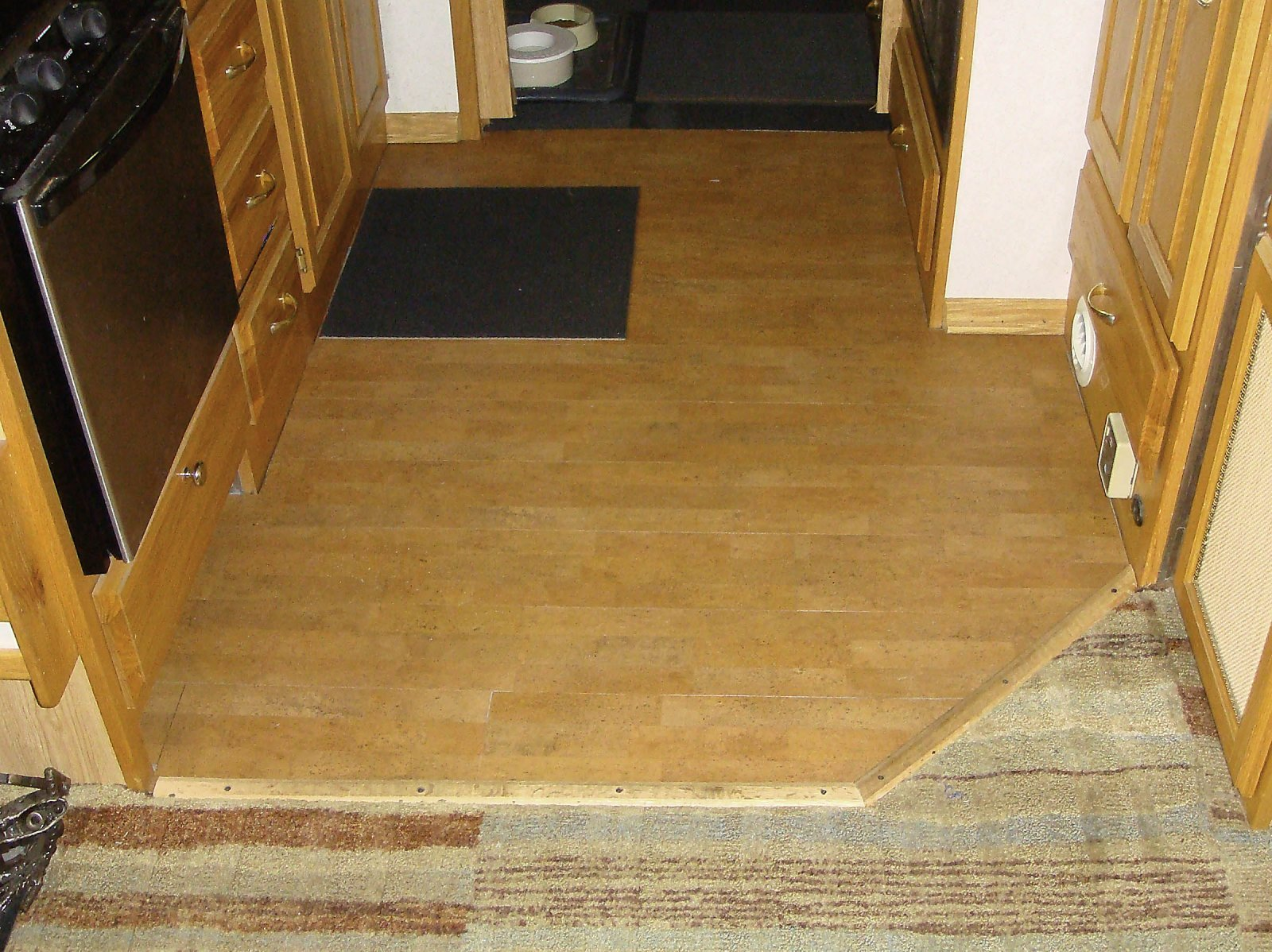 Click image for larger version  Name:NewFloor.jpg Views:92 Size:393.3 KB ID:140875