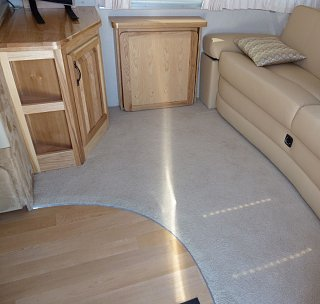 Click image for larger version  Name:floor_transition.jpg Views:81 Size:126.2 KB ID:141075