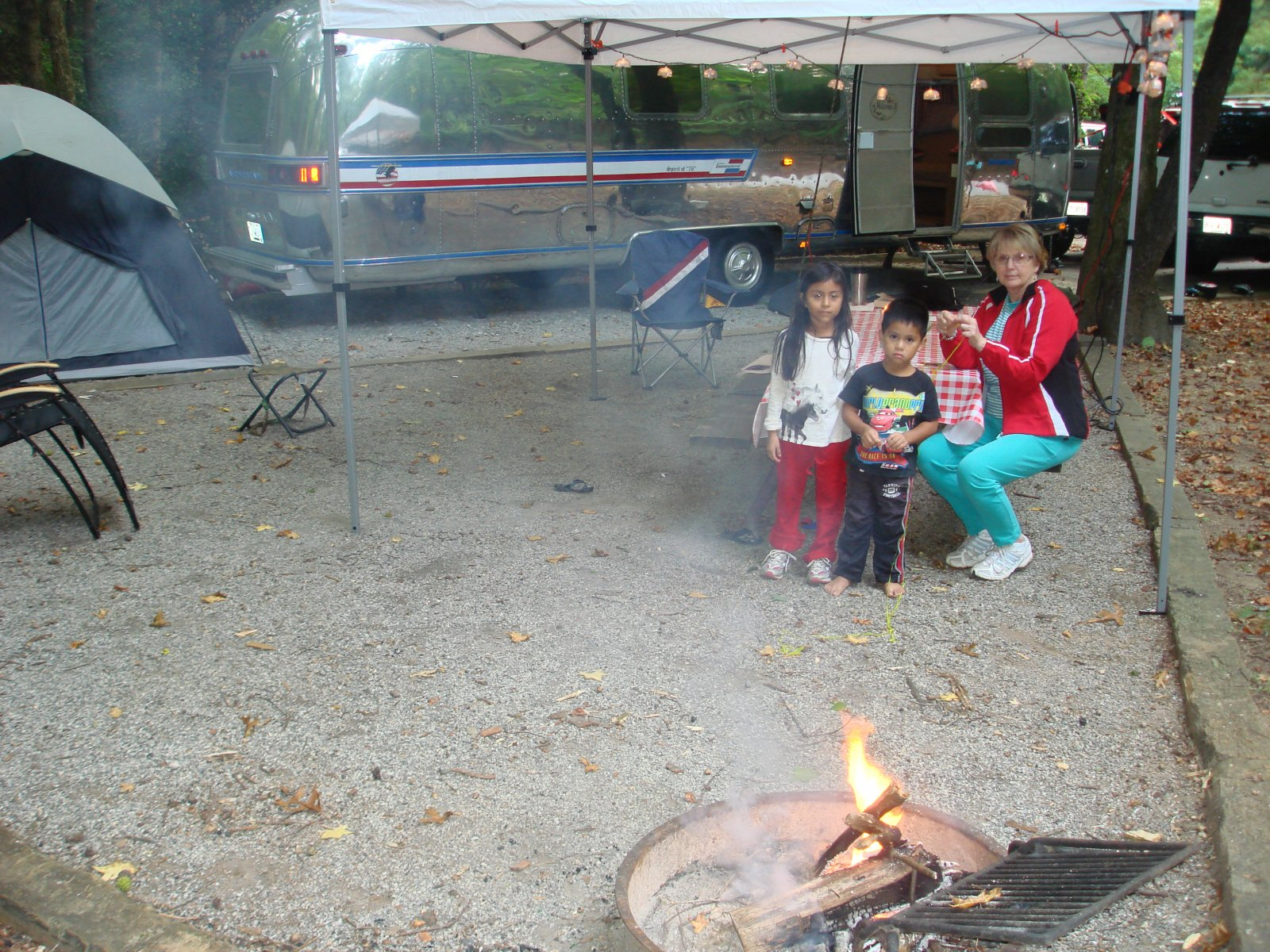 Click image for larger version  Name:campfire 004.jpg Views:93 Size:492.1 KB ID:141094