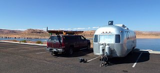Click image for larger version  Name:P1000007 parked at lake powell-s.jpg Views:92 Size:93.3 KB ID:141161