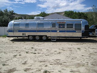 Towing A 34 Triple Axle Airstream 83255 together with Classic 6 11 moreover FL P 758L as well Airstream likewise airstream. on airstream classic interior