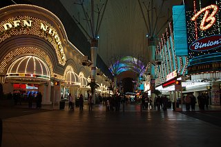Click image for larger version  Name:~Freemont Night.jpg Views:104 Size:452.4 KB ID:141872