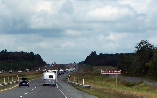 Click image for larger version  Name:NE Unit Caravan 2.jpg Views:94 Size:90.7 KB ID:14221