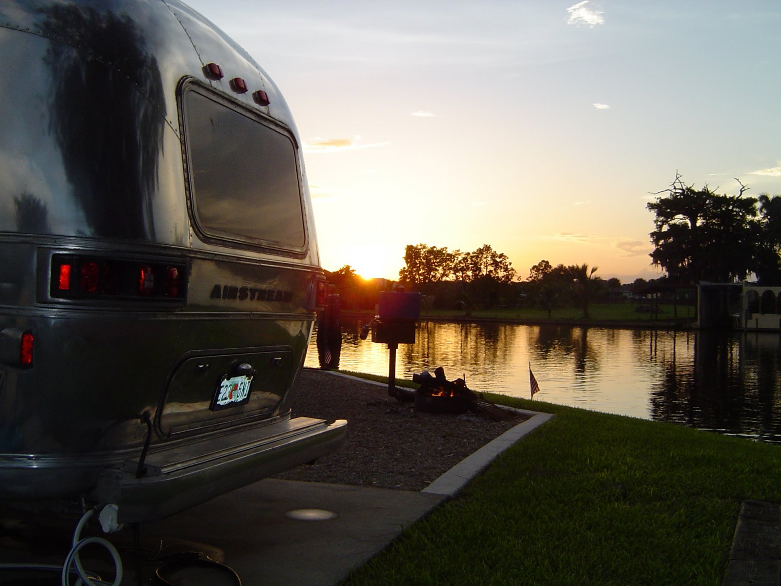 Click image for larger version  Name:airstream 011.jpg Views:83 Size:228.3 KB ID:143152