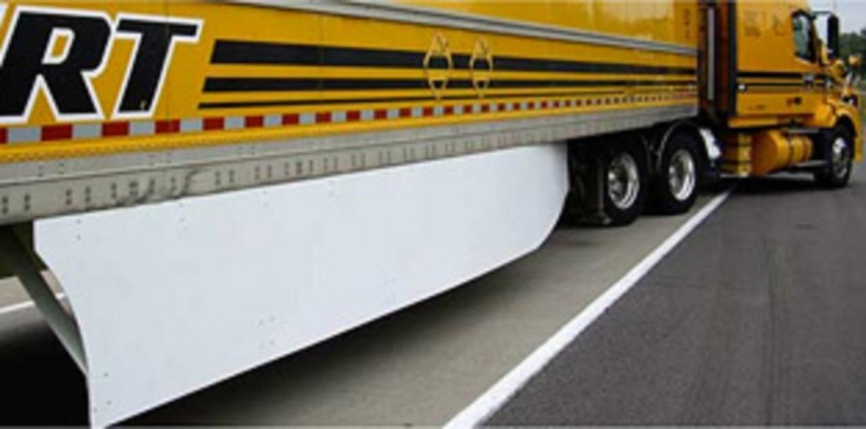 Click image for larger version  Name:trailer side skirtsRS400.jpg Views:133 Size:127.3 KB ID:143560