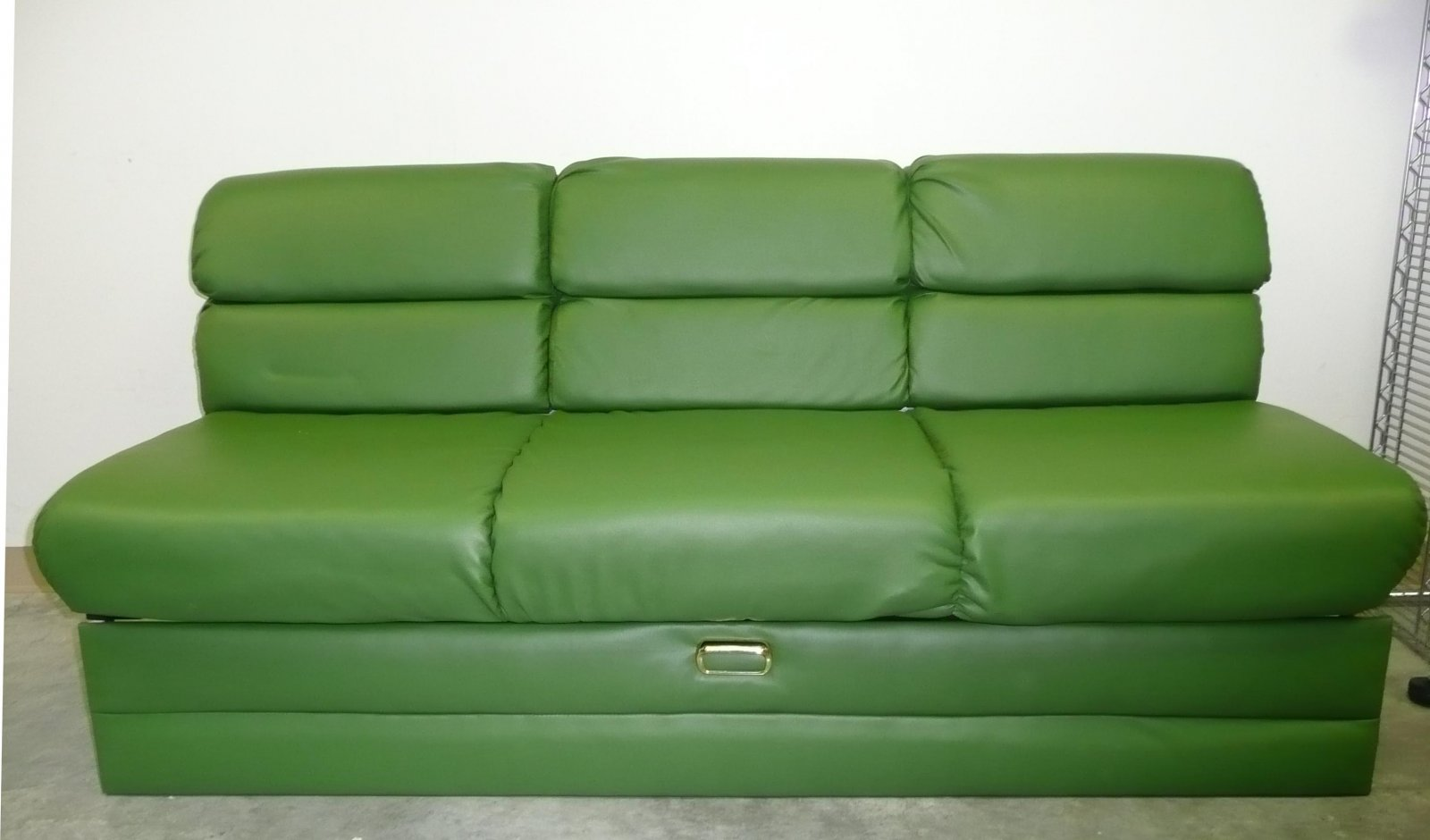 Click image for larger version  Name:Couch 1.jpg Views:135 Size:111.7 KB ID:144355