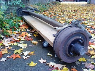 Click image for larger version  Name:old axle on cart.jpg Views:104 Size:200.7 KB ID:145157