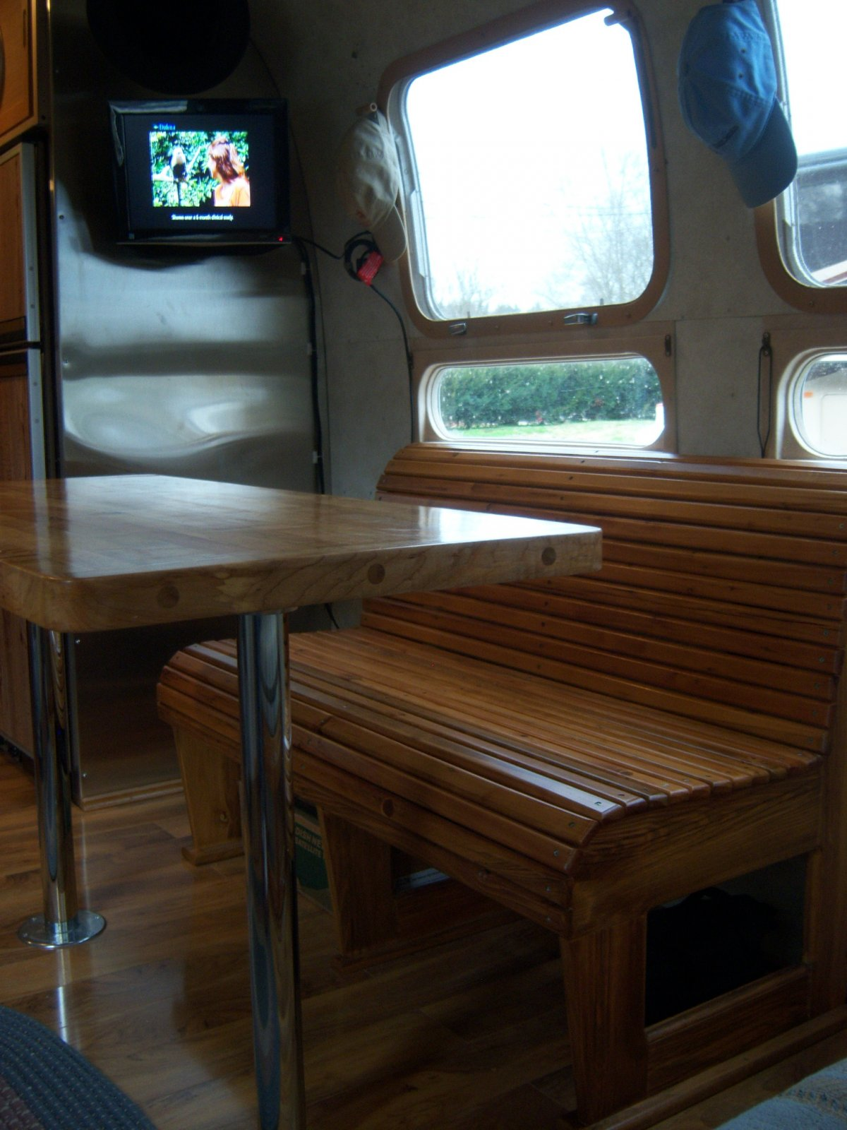 Click image for larger version  Name:Airstream Interior 009.jpg Views:114 Size:231.3 KB ID:146184