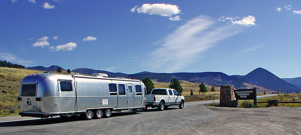 Click image for larger version  Name:Yellowstone-Airstream.jpg Views:95 Size:224.4 KB ID:14709