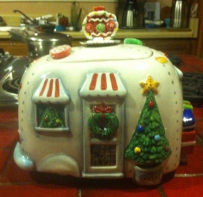 Click image for larger version  Name:Airstream cookie jar.JPG Views:385 Size:102.9 KB ID:147488