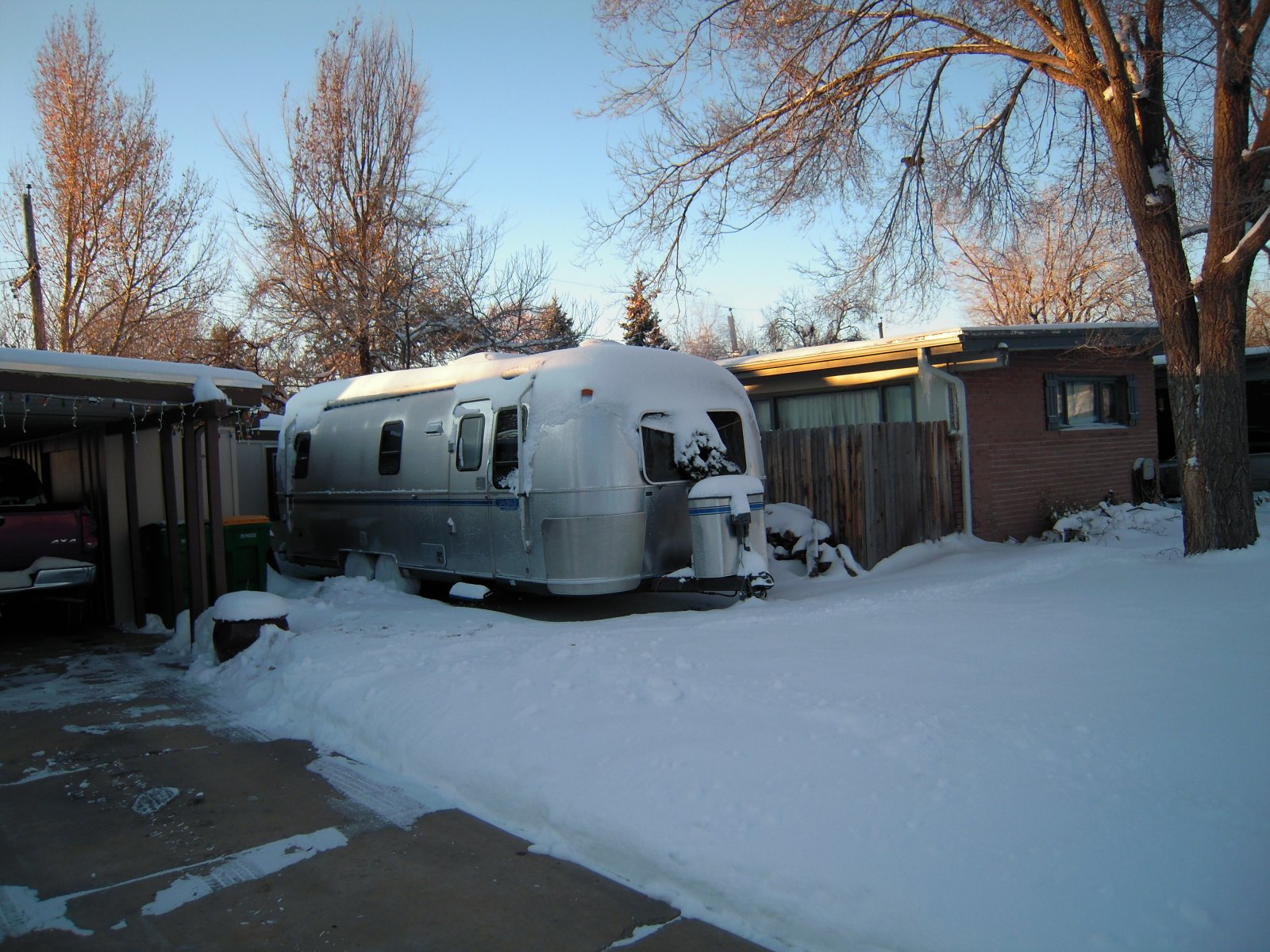 Click image for larger version  Name:Christmas 2011,Airstream 002.jpg Views:124 Size:364.3 KB ID:147511