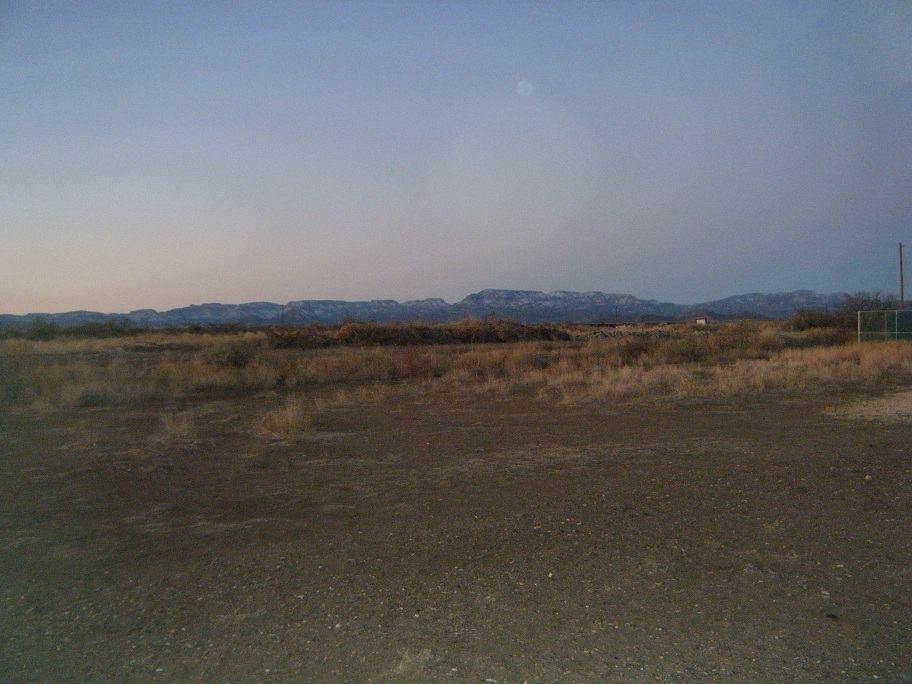 Click image for larger version  Name:Balmorhea TX Sunrise 2.jpg Views:64 Size:271.0 KB ID:147853