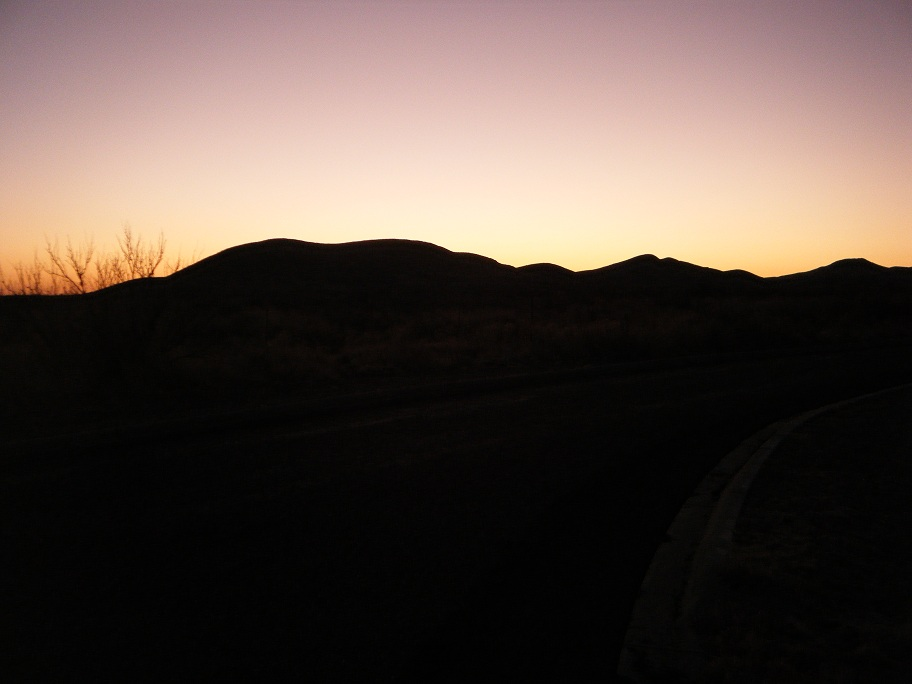 Click image for larger version  Name:Balmorhea TX Sunrise 1.jpg Views:61 Size:122.1 KB ID:147857
