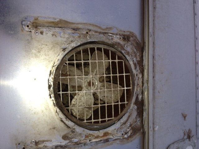 Click image for larger version  Name:Exhaust Fan exterior.JPG Views:186 Size:114.4 KB ID:148559
