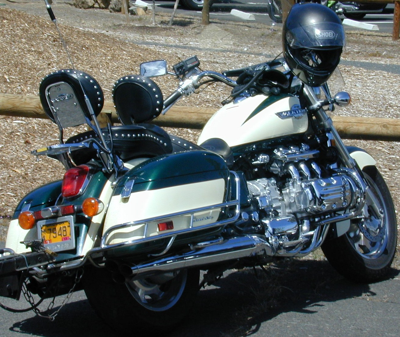 Click image for larger version  Name:Pilot Butte SP OR  7-11 golden wings motorcycle 004.JPG Views:96 Size:390.4 KB ID:148607