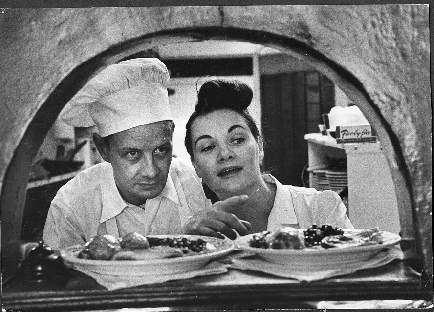 Click image for larger version  Name:Two Of The Very Finest Chef's In The World.JPG Views:101 Size:187.6 KB ID:148787