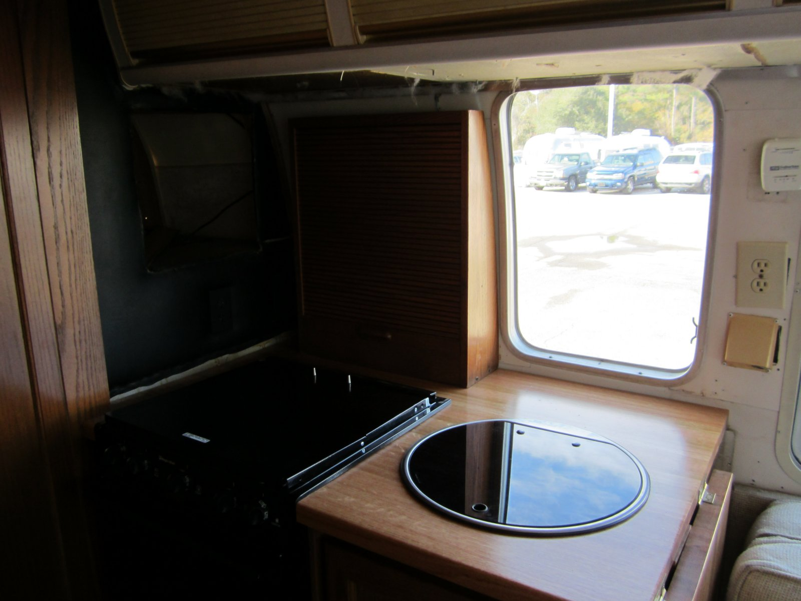Click image for larger version  Name:'75 Argosy Motorhome 097.jpg Views:149 Size:172.0 KB ID:149261