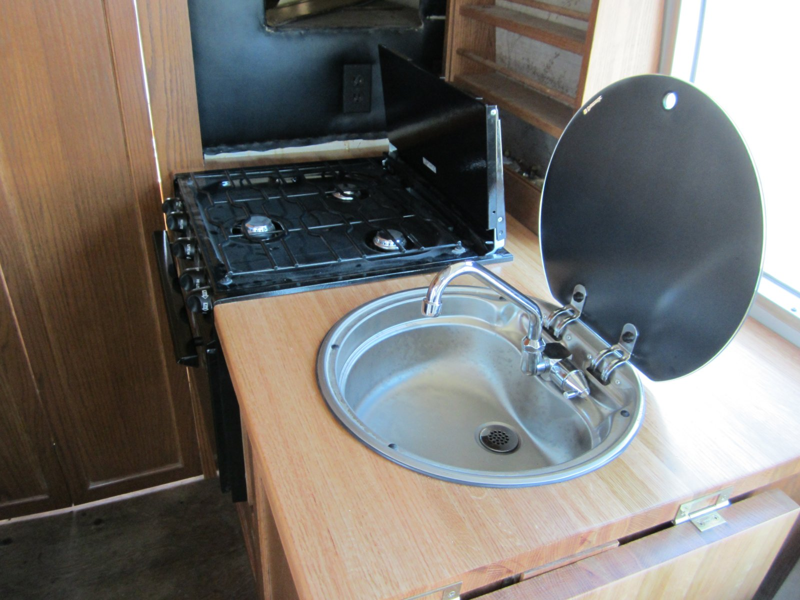 Click image for larger version  Name:'75 Argosy Motorhome 099.jpg Views:128 Size:244.9 KB ID:149262
