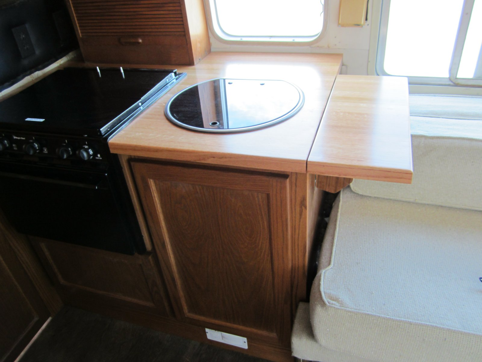 Click image for larger version  Name:'75 Argosy Motorhome 101.jpg Views:132 Size:185.9 KB ID:149263