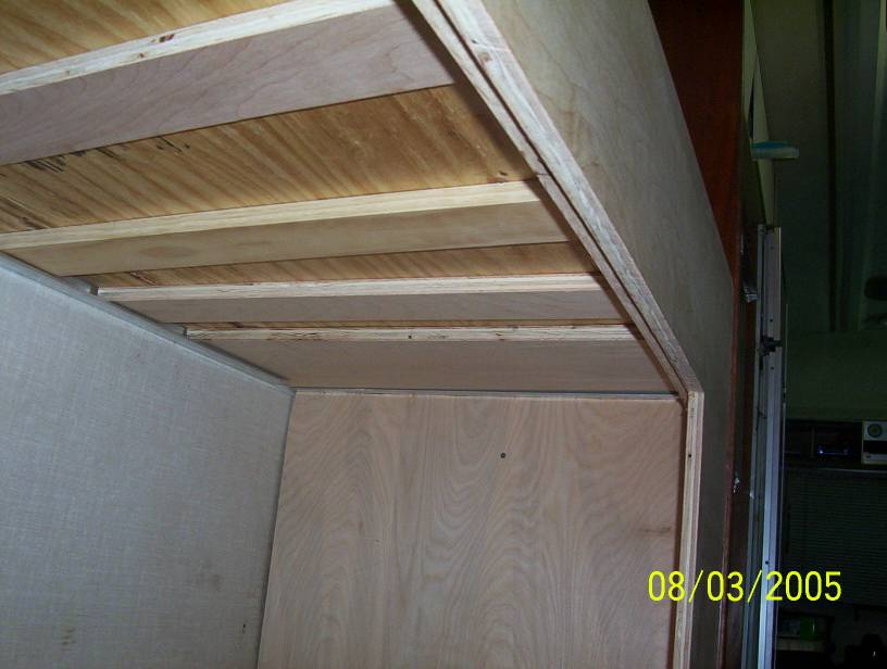 Click image for larger version  Name:bottom of top bunk.jpg Views:184 Size:73.8 KB ID:14960