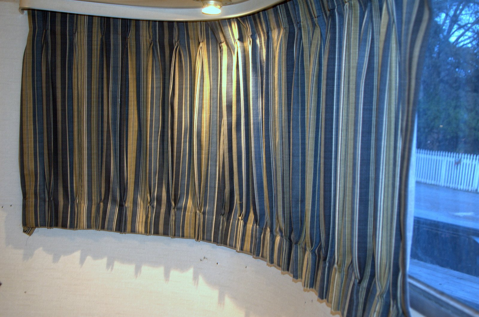 Click image for larger version  Name:FrontCurtains_1970.jpg Views:415 Size:341.1 KB ID:150265